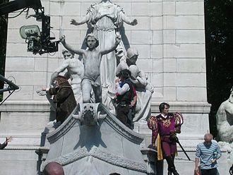 Enchanted (film) - Timothy Spall and James Marsden during filming in Columbus Circle.