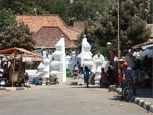 Cirebon - Entrance to the tomb of Sunan Gunung Jati.