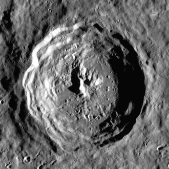 Eratosthenes (crater) - Lunar Reconnaissance Orbiter image
