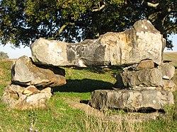 Escout dolmen 01.JPG