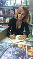 Esther Galán Recuero firmando libros.jpg