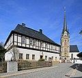 Ev.-Luth.Kirche und Pfarrhaus in Elterlein 2H1A1779WI.jpg