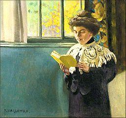 Femme lisant à la fenêtre