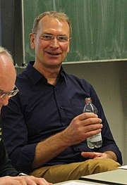 FT KSTBB 2016 Besuch Matthias Behr Schul-Pychologiekurs WG TG 2 (cropped)