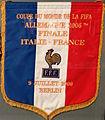 Fanion finale de la Coupe du Monde 2006 (Italie - France), musée national du sport (Nice).JPG