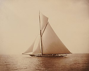 HMY Britannia (Royal Cutter Yacht) - Image: First class rater Britannia.2