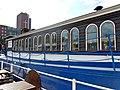 Flussschifferkirche Hamburg Seite mit Fenstern.jpg