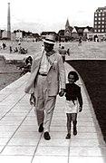 Francisco Salamone con su hija.jpg