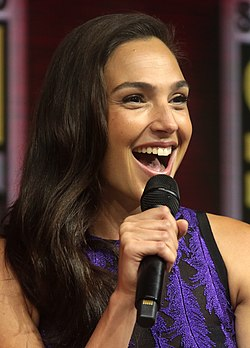 Gal Gadot e-pad ar San Diego Comic Con International e 2018.
