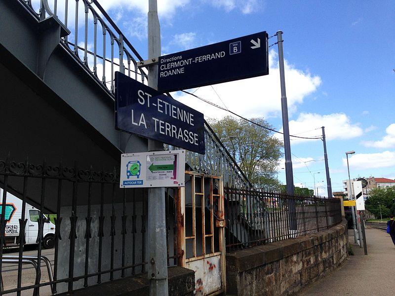 Le quai de la gare de Saint-Étienne-La Terrasse