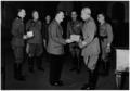 Gariboldi wordt onderscheiden met het Ridderkruis.png