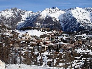 Auron (ski resort) - Image: General view of Auron village