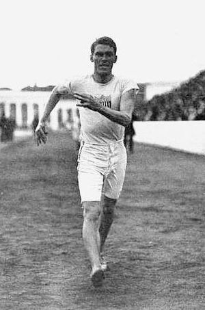 George Bonhag - Bonhag winning the 1500 m walk at the 1906 Intercalated Games