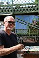 Gerard Byrne Irish artist painting plein air, Hammersmith Bridge, London, Pintar Rapido 2016.07.16 2.jpg