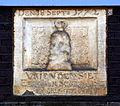 Gevelsteen Brouwersgracht 97, Den 18 Sept 1772, Vrienden Siet Een Sak Sesthalve Geef ik Niet.JPG