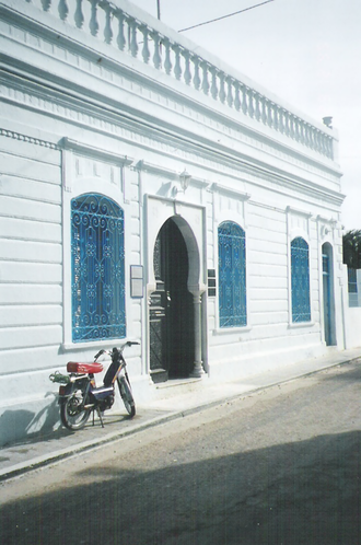 Religion in Tunisia - El Ghriba synagogue in Djerba is an important site for Jewish pilgrimage.