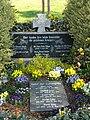 Giesel Alter Friedhof Kriegsgrab.jpg