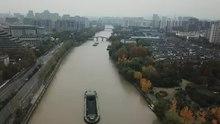 拱宸桥,京杭大运河南端起点,沿岸景观。右侧为桥西历史文化景区