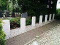 Graven inzittenden Lancaster Papendrecht.jpg