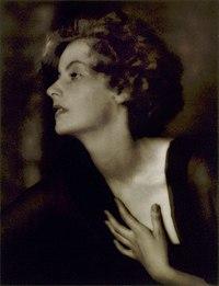Greta Garbo foto por Arnold Genthe de 1925.