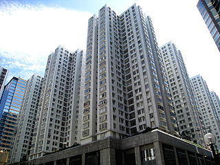 看到香港政府宣佈為非香港永久居民及所有公司的住宅物業購買交易徵收15%「買家印花稅」,筆者終於開始感受到當局穩定樓市的誠意 (圖片:WiNG@Wikimedia)
