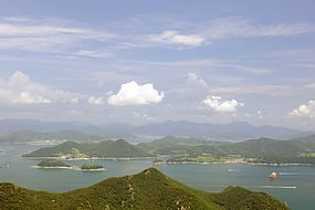 Hallyeo National Marine Park near Tongeong.jpg