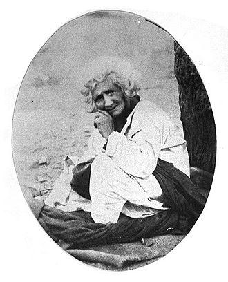 Hazrat Babajan - Babajan under her neem tree in Char Bavadi, Poona