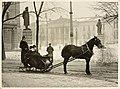 Henrik Ibsen i slede ved Nationaltheatret, 1902 (4720369564).jpg