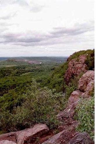 Mattabesett Trail - Higby Mountain along the Mattabesett Trail