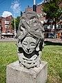 Hoofddorpplein, Beeld van hoofd van een vrouw foto 3.jpg