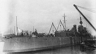 Japanese destroyer Akishimo - Image: IJN DD Akishimo 1944 under construction