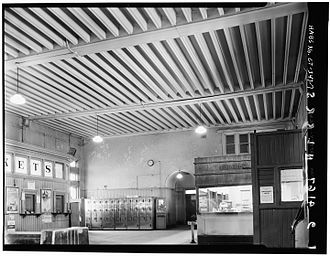 New London Union Station - The waiting room before the 1976–77 renovation