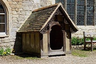 Doghouse - Image: Ightham Mote 03