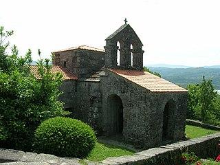 Iglesia de Santa Comba de Bande4.jpg