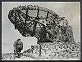 In de duinen tussen Zandvoort en IJmuiden is men bezig mijnen en bunkers van de, Bestanddeelnr 120-1035.jpg