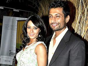 Indraneil Sengupta - Indraneil Sengupta with wife Barkha Bisht Sengupta