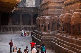Inside Kailasanatha Temple.jpg