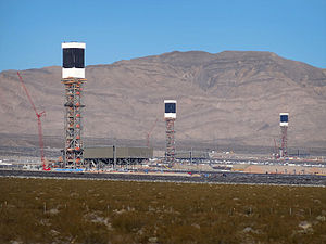 100% renewable energy - The 392 MW Ivanpah Solar Power Facility in California: The facility's three towers.