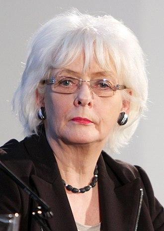 Jóhanna Sigurðardóttir - Image: Jóhanna Sigurðardóttir Jan 2011 (cropped)