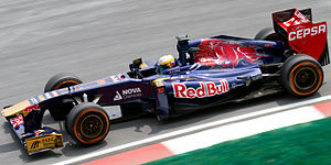 Toro Rosso STR8 - Image: Jean Eric Vergne 2013 Malaysia FP1