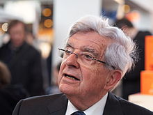 Jean-Pierre Chevènement au Salon du livre de Paris 2014.