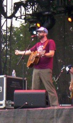 John McCrea at Lollapalooza 2005.jpg