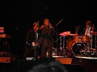 Babyface (musician) - Edmonds performing in 2009