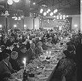 Kerstdiner in Tivoli voor bejaarden aangeboden door het Utrechts Leger des Heils, Bestanddeelnr 915-8693.jpg