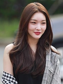 Kim Chung-ha arriving at KBS Music Bank on August 03, 2018 (6).jpg