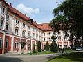 Klasztor - widok z dziedzińca.JPG