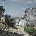 Kunstenaarskolonie bij Safad (Safed) Straatje met rechts op de muur het opschri, Bestanddeelnr 255-9311.jpg
