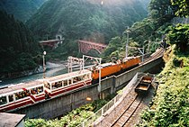 Kurobe Gorge Railway 07.jpg