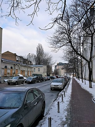 How to get to вулиця Григорія Сковороди 2 with public transit - About the place