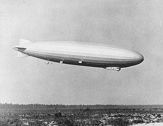USS Los Angeles (ZR-3) - Airship LZ-126 arriving at Lakehurst, 15 October 1924